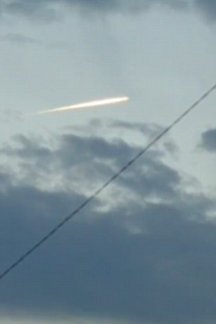 YOUTUBE Terremoto Giappone, misteriosa palla luminosa in cielo durante la scossa