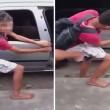 Giovane scoperto a rubare: dita schiacciate nella portiera dell'auto per punizione2