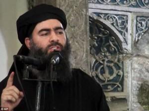 Isis, Al Baghdadi in paranoia: dorme nei tunnel col giubbotto esplosivo e...