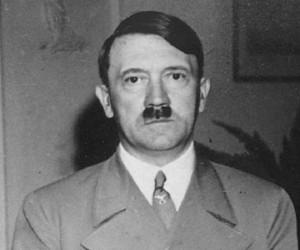Guarda la versione ingrandita di Adolf Hitler: un partito esoterico cercò di fermare la guerra?