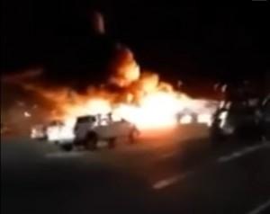 YOUTUBE Aereo medico si schianta in un parcheggio in Nevada: 4 morti