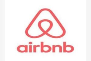 Guarda la versione ingrandita di Airbnb con Trips offre anche esperienze, voli, servizi...