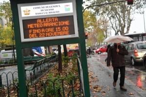 Maltempo Liguria, rischio frane e temporali: 3 famiglie sgomberate a Genova