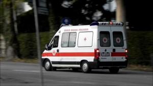 Vicenza, anziano rimane incastrato nel letto a scomparsa: salvato
