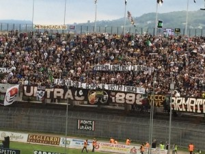 Guarda la versione ingrandita di Ascoli-Perugia nello stadio terremotato. Pescara e Sambenedettese dicono no per...i tifosi (foto d'archivio Ansa)