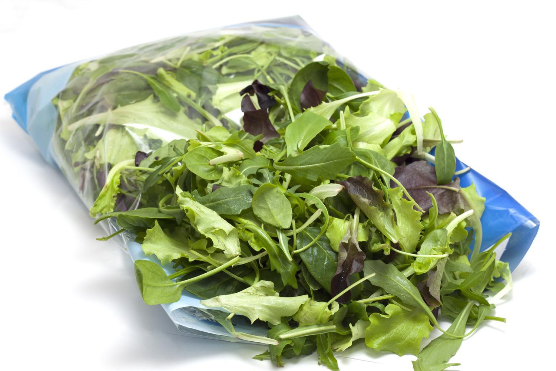 Insalata in confezioni di plastica: è allarme salmonella