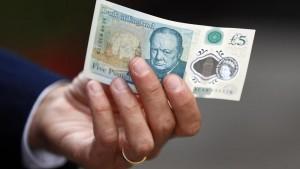 """Guarda la versione ingrandita di Vegani contro banconote in Inghilterra: """"Tracce di grasso animale"""""""