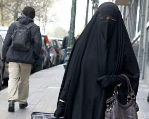 Burqa su bus e in edifici pubblici: Olanda verso il divieto totale