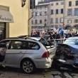 Firenze, anziano investe padre e figlio di 20 mesi in bici e si schianta contro auto 7