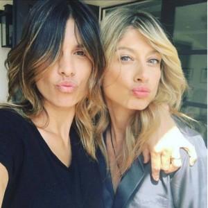 """Elisabetta Canalis e Maddalena Corvaglia, fuga a Los Angeles: """"Cambiamo vita"""""""