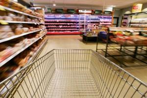 Tasse, pubblicità sui carrelli della spesa: imposta dovuta se escono dal supermercato