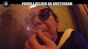 Le Iene, Giucas Casella ad Amsterdam: galline, marijuana e...