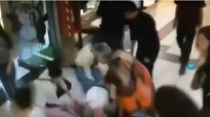 A 84 anni blocca il ladro con un calcio: la moglie lo rimprovera