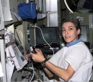 """Astronauta Claudie Haigneré tentò di uccidersi, la teoria cospirazionista: """"Ha visto gli Ufo e..."""""""