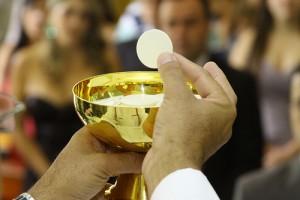 """Papa Francesco. Quattro cardinali: """"Spiegaci la comunione ai divorziati"""""""