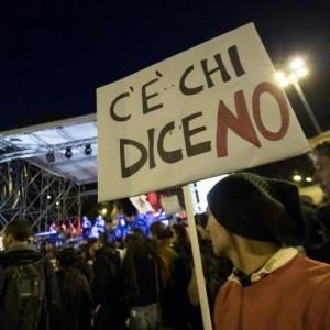 """Referendum, a Roma corteo per il No. """"Siamo 50mila"""""""