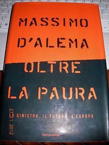 Massimo D'Alema, il suo libro con dedica a Nancy Brilli in vendita a un euro...