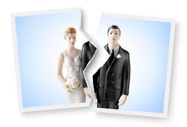 Lui diventa una lei: coppia obbligata al divorzio si risposa con le unioni civili