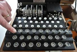 Enigma, il manuale del codice segreto dei nazisti venduto sul web a 200 euro