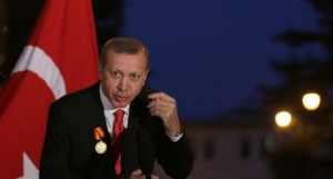 Erdogan un dittatore sull'uscio di casa, ma qui indigna l'Italicum