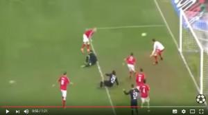 Bari - Spezia 1-1: incredibile autogol di Fedele VIDEO