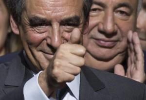 Francia, primarie centrodestra: Francois Fillon doppia Juppé
