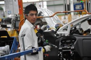 Trump terremota Fca, GM, Ford: dazi a chi delocalizza in Messico