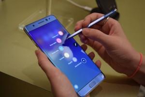 Ruba Samsung Galaxy Note 7. Istant karma per il ladro, gli esplode in mano