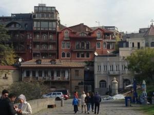 Tbilisi fra Cristo e Maometto, odia i russi ma senza i loro turisti...