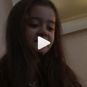 VIDEO Karina Cascella, la figlia su Instagram critica Belen. Ha 6 anni...