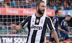 Juventus, Gonzalo Higuain in dubbio per Siviglia. Allegri prova il tridente