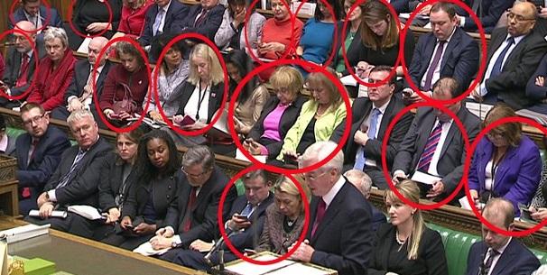 Primo ministro ombra parla: parlamentari laburisti lo ignorano così FOTO2
