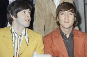 """John Lennon e la lettera a Paul McCartney del '71: """"Sei pazzo?"""". Il testo integrale"""