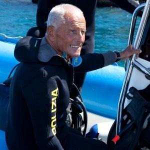 """Enzo Maiorca, morto il """"signore degli abissi"""": apneista aveva 85 anni"""