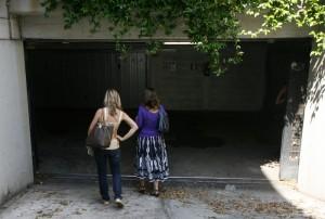 Pavia, allarme maniaco: terza donna aggredita da incappucciato
