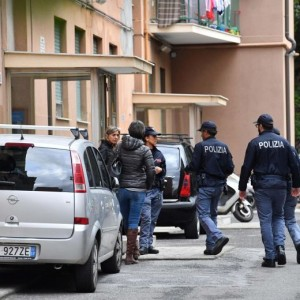 """Mauro Agrosì, poliziotto uccide moglie e figlie: """"Meglio morte che orfane"""""""