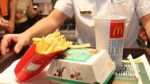 McDonald's, se andate non mangiate pesce né patatine: parola dei dipendenti...