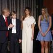 Melania Trump al fianco di Donald: quel che l'abito lascerebbe intravedere 2