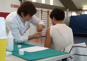 """Bambino colpito da meningite, mamma denuncia: """"Febbre sopra 42, per quel medico era solo influenza"""" (foto Ansa)"""