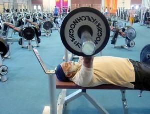 Guarda la versione ingrandita di Muscoli pompati non vuol dire essere più forti. Ma gli esercizi ipertrofici... (foto d'archivio Ansa)