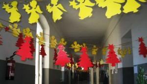 Parma, Lega boccia canzone a scuola: Babbo Natale porta permessi ai migranti...