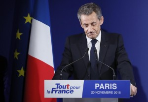 """Francia, primarie destra. Fillon sfonda, Sarkozy fuori: """"E' ora di cambiare vita"""""""