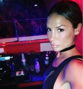 Nicole Minetti, la nuova vita da deejay: il 18 novembre al Coconuts di Rimini
