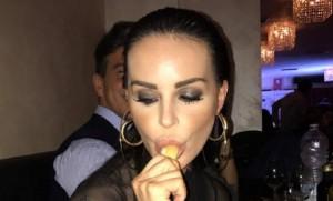 """Nina Moric al premio Eva3000: """"Come me non succhia nessuno"""" VIDEO"""