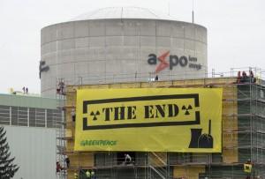 Svizzera, no all'uscita immediata dal nucleare: referendum bocciato