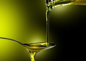 Olio italiano basterà solo per 6 mesi: scorte ridotte e la Cina ci invade il mercato