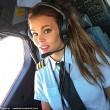 Malin, la pilota svedese fa impazzire il web con le sue pose di Yoga FOTO01