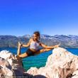 Malin, la pilota svedese fa impazzire il web con le sue pose di Yoga FOTO05