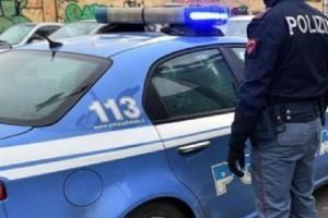 Roma, sperona rivale in amore e lo pesta: arrestato per tentato omicidio
