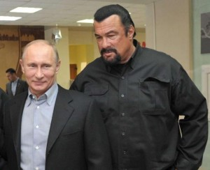 Guarda la versione ingrandita di Vladimir Putin, cittadinanza onoraria russa a Steven Seagal (foto d'archivio Ansa)